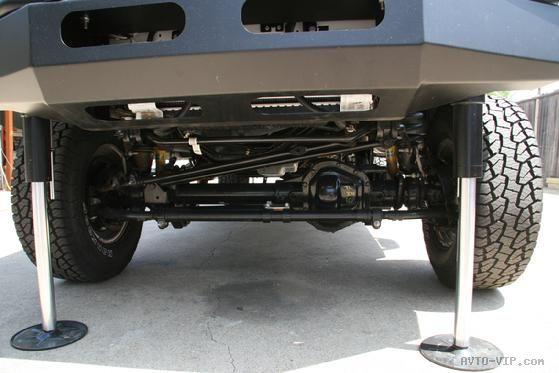 Автомобиль с обзорной башней TerraHawk