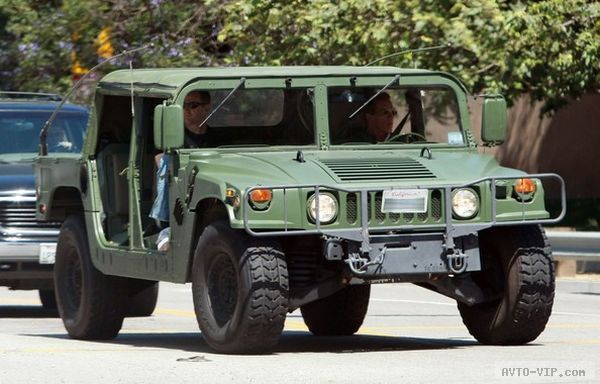 Arnold Schwarzenegger Out Cruising In His H1 Hummer
