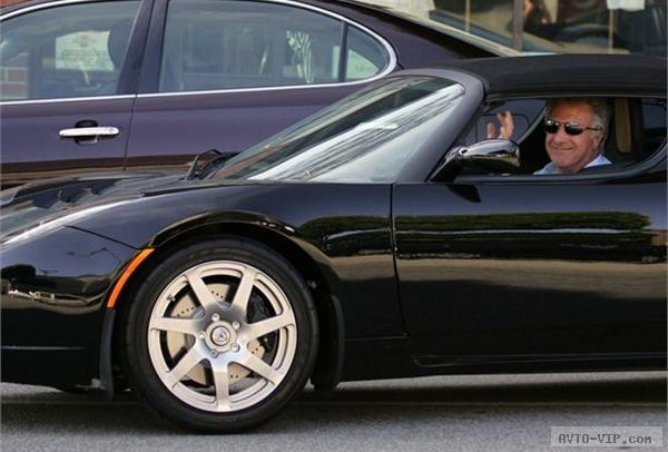 Dustin Hoffman Drives an Electric supercar Black Tesla Roadster