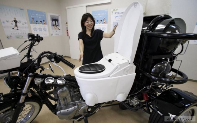 Мотоцикл движимый человеческими газами