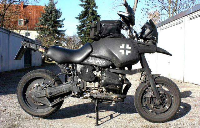 Мотоцикл в стиле Безумного Макса