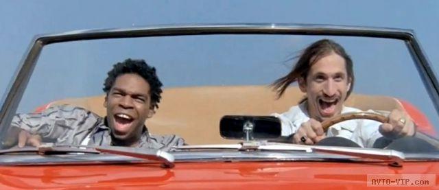 10 лучших прыжков автомобилей в кино