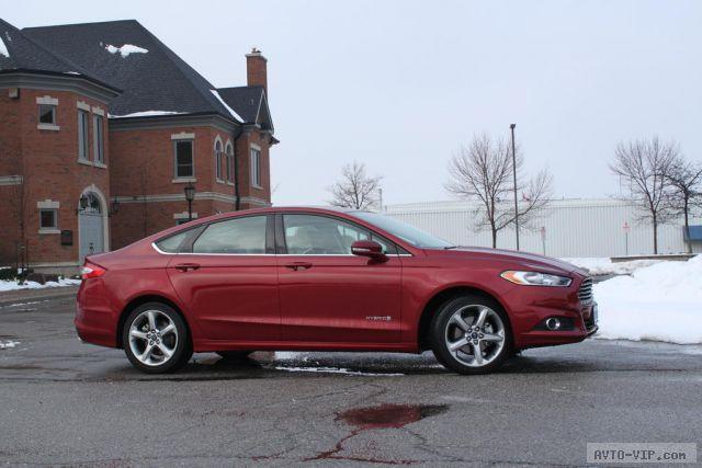 2013-Ford-Fusion-Hybrid- profile.JPG