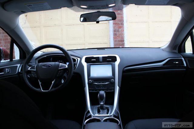 2013-Ford-Fusion-Hybrid- interior.JPG