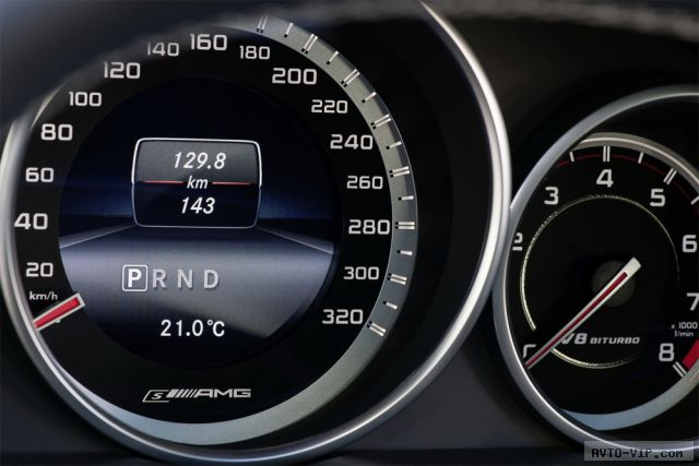 Новые Mercedes CLS 63 AMG и E 63 AMG получили полный привод