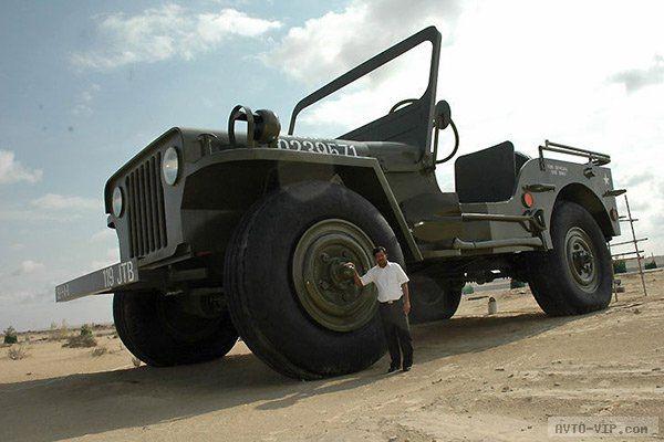 машины из гаража шейха Хамада джип