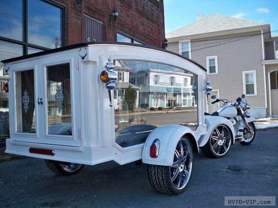 В последний путь на катафалке с мотоциклом