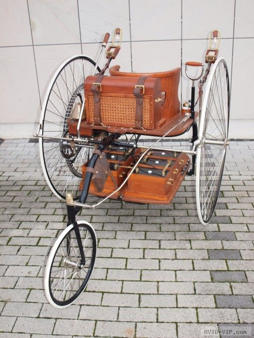 старый электромобиль трицикл Айртона и Перри