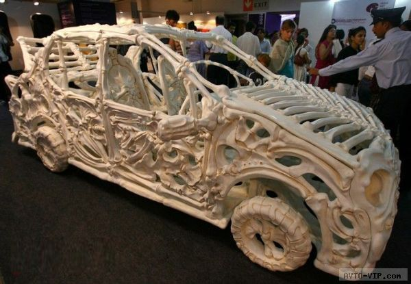 Jitish Kallat's bone Car Collidonthus