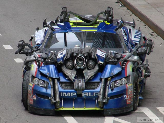 автомобиль из Трансформеры 3