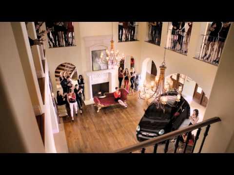 Чарли Шин в рекламе FIAT 500 Abarth