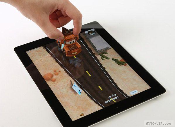 Герои мультика Тачки в реально-виртуальной игре