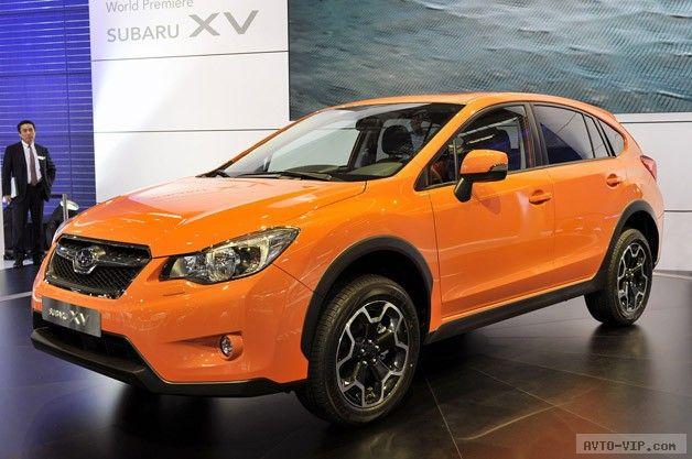 Оранжевый кроссовер Subaru XV