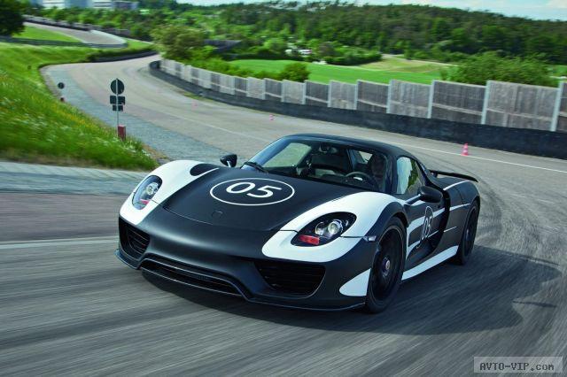 Показан прототип Porsche 918 Spyder (фото)
