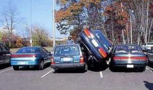 Неправильная парковка приводит к битым автомобилям