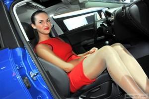 Девушки и автомобили Московского автошоу 2012 (фото)