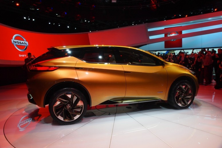 Nissan представила кроссовер Resonance