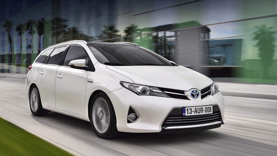 Новый универсал Toyota Auris Touring Sports
