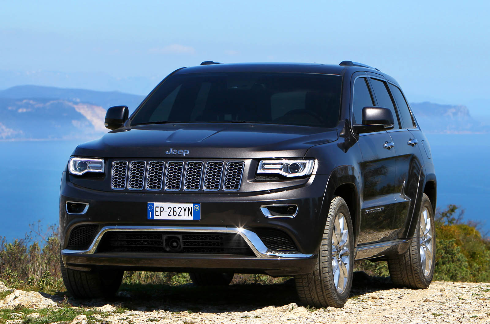 Jeep планирует выпустить семиместный Grand Wagoneer