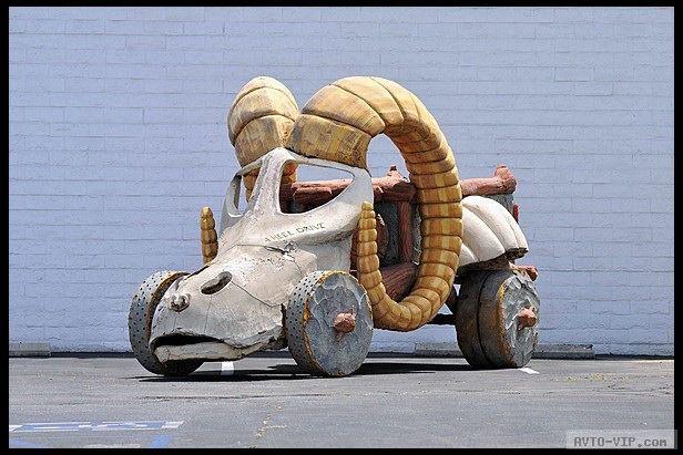 Доисторический автомобиль Флинтстоунов уйдет с молотка