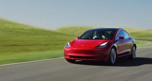 Tesla Model 3 — среди самых удовлетворяющих потребности водителей
